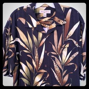Tommy Bahama Men's button down short sleeve sz L